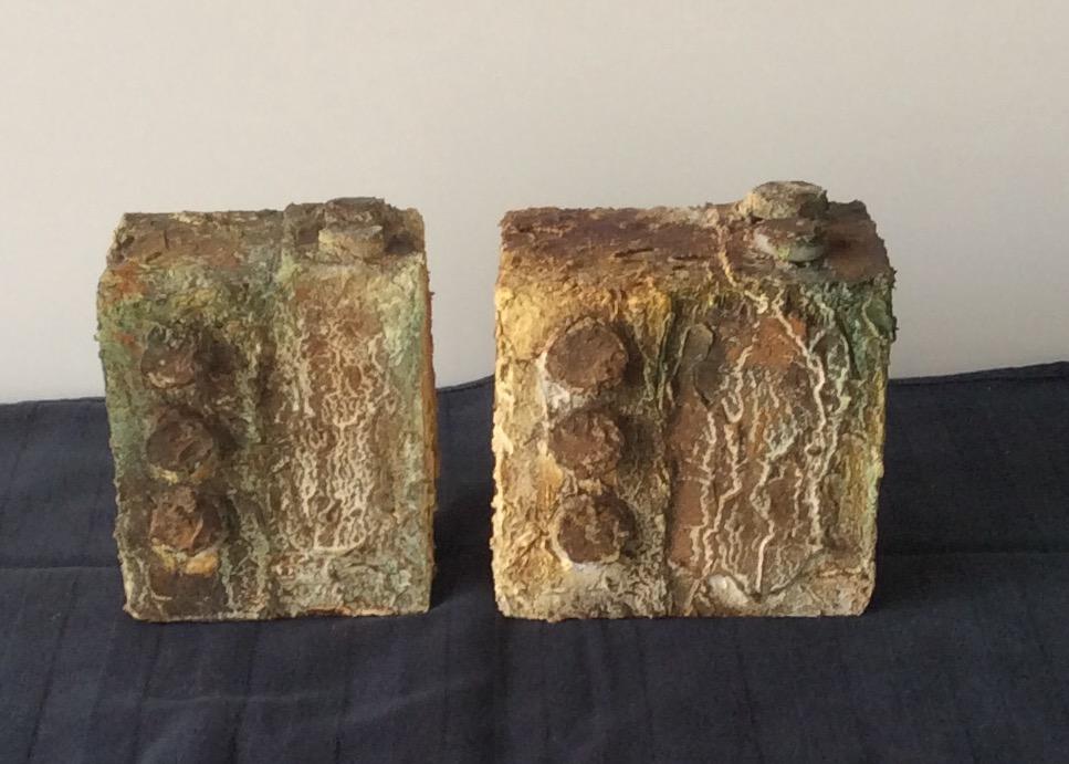Roest [10x10x10cm 8x8x8cm, materie op hout, 2019] *VERKOCHT*